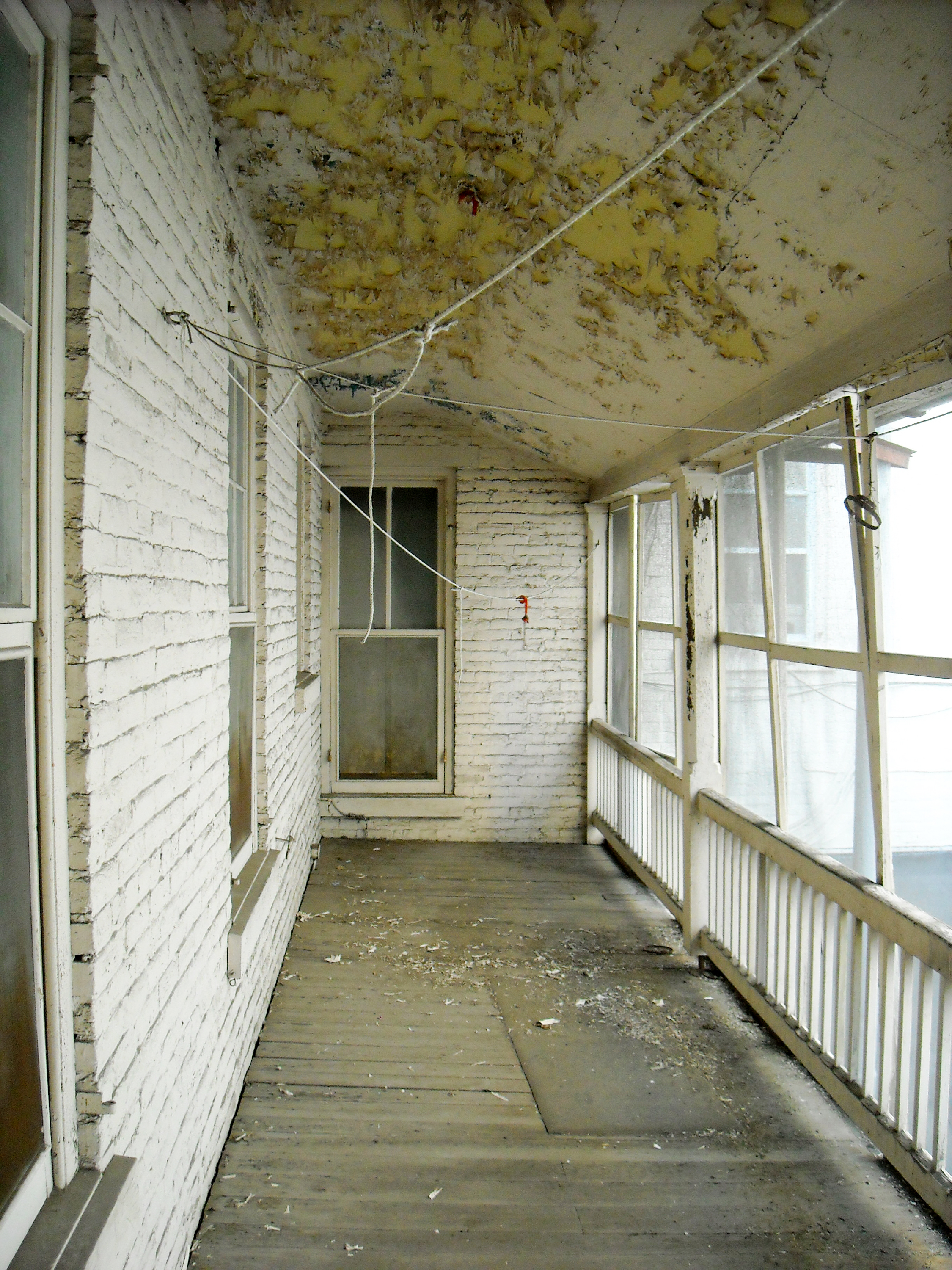 The DeWitt Building prior to renovations.