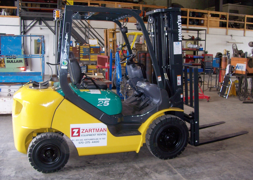 Zartman Construction's forklift rentals range in reach and capacity, so we can give you the most cost-effective option for your project.