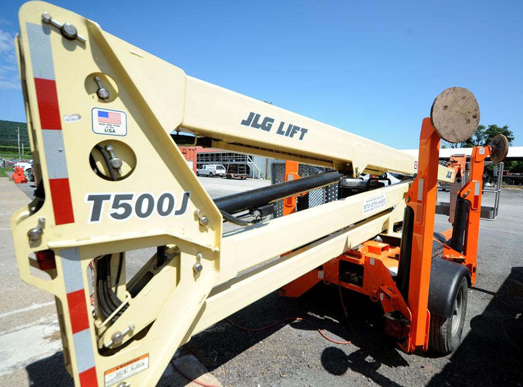 JLG Towable Boom Lift Rental